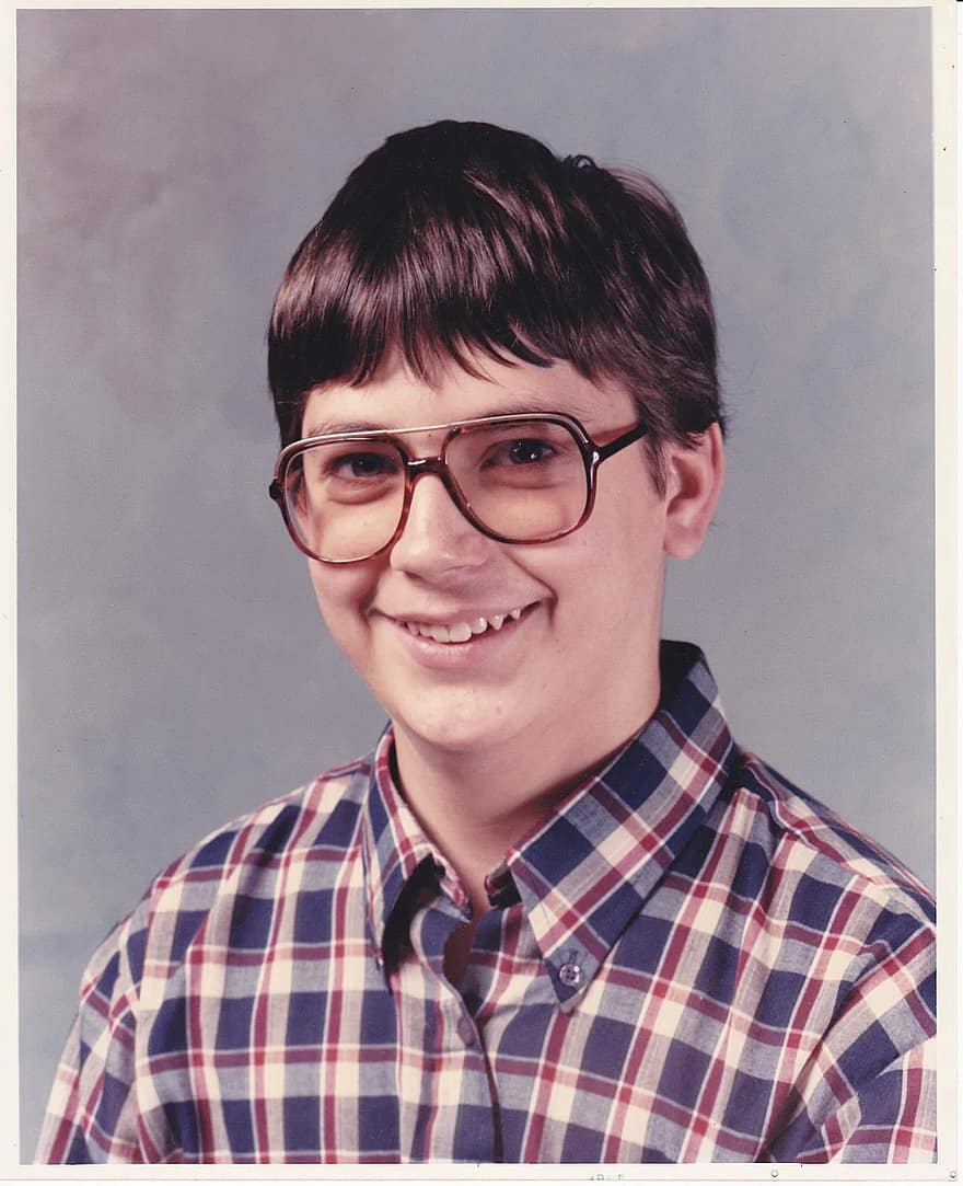 teenager-boy-spectacles-glasses-nerd
